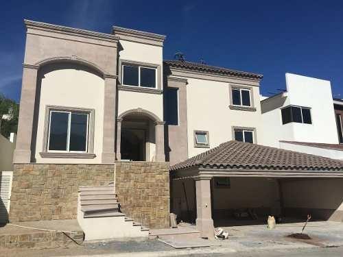 casa en venta en sierra alta zona carretera nacional en monterrey