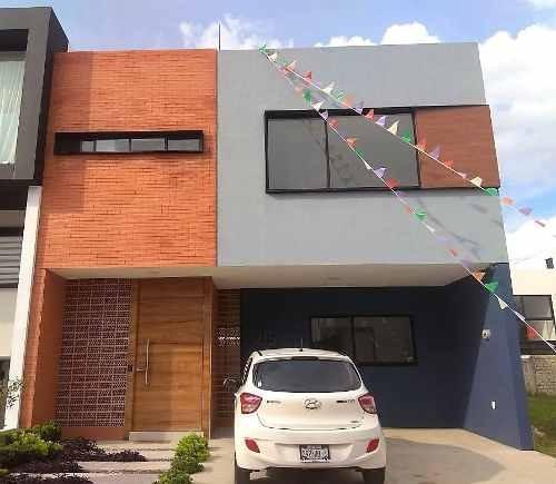 casa en venta en solares con hermosa vista a casa club