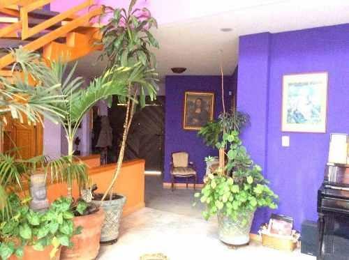 casa en venta en tecamachalco en calle cerrada y jardín, tecamachalco