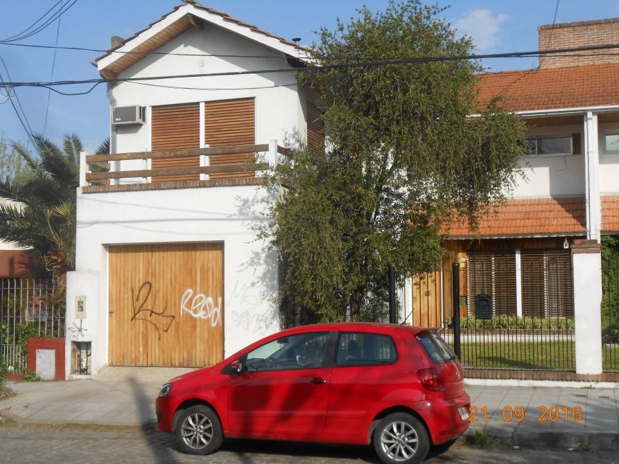 casa en venta en temperley a 1 cuadra sanatorio juncal