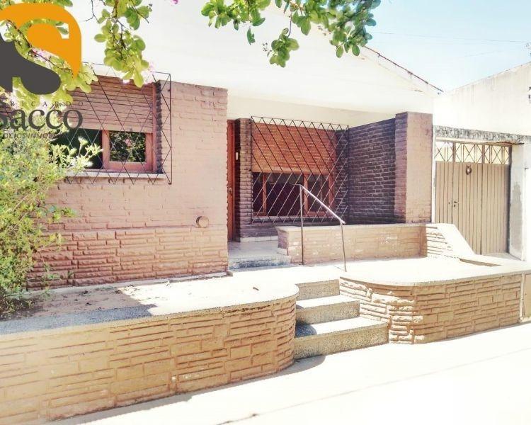 casa en venta en #trenquelauquen, zona colegios secundarios