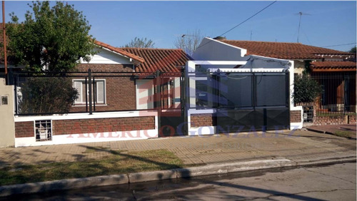 casa en venta  en turdera