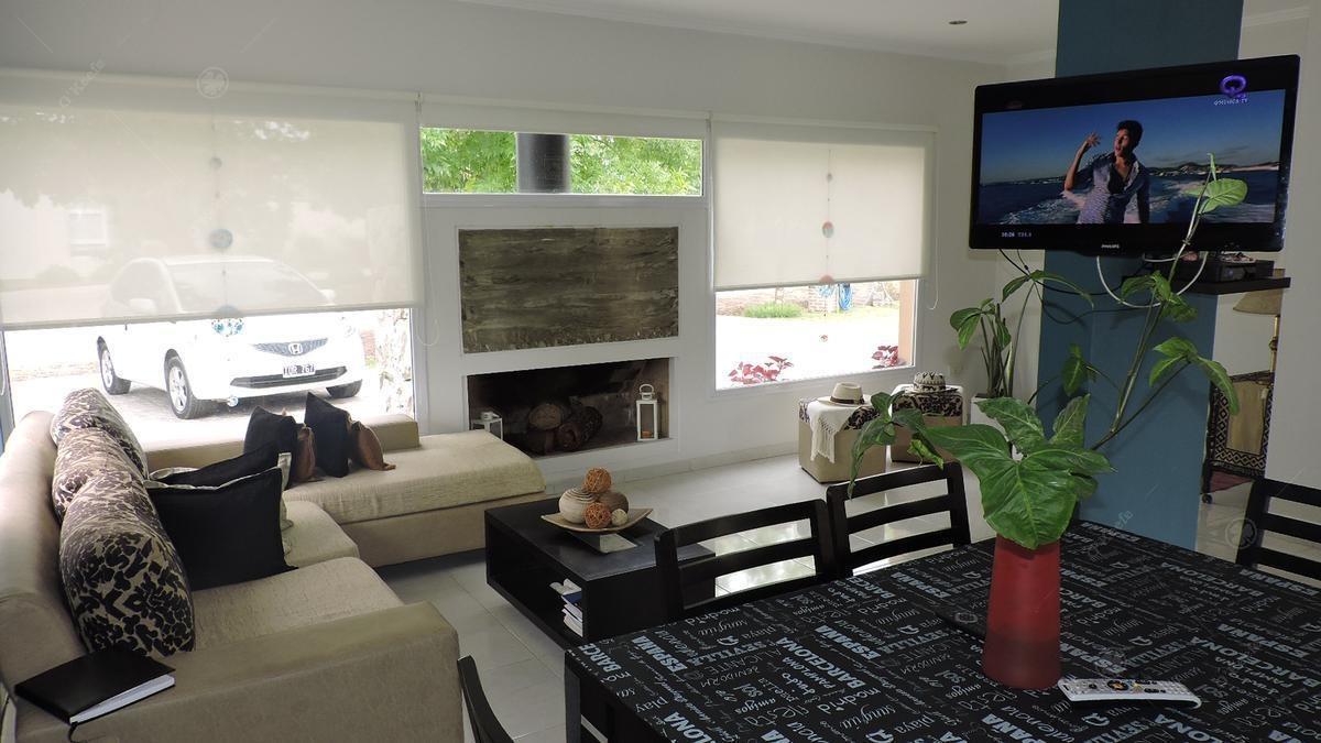 casa en venta en una planta e 3 ambientes