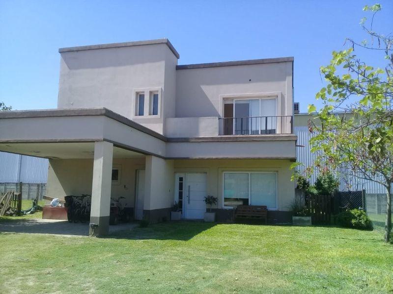 casa en venta en vilago country club