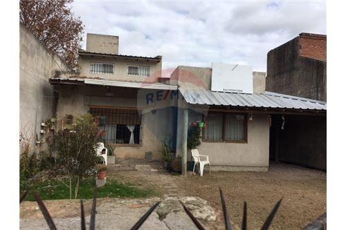 casa en venta en villa castels