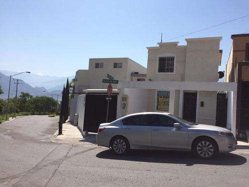casa en venta en villas del mirador. excelente ubicación.