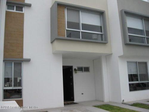 casa en venta en zakia, el marques, rah-mx-18-870