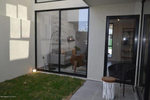 casa en venta en zakia, el marques, rah-mx-20-668
