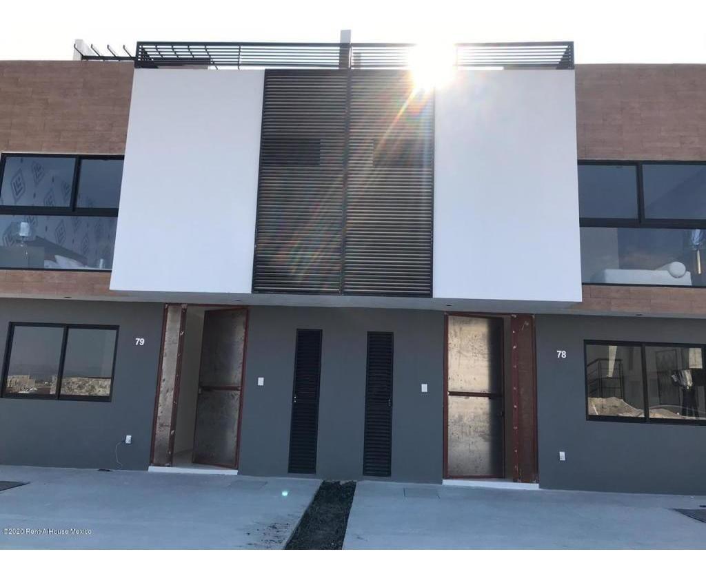 casa en venta en zakia, el marques, rah-mx-20-918