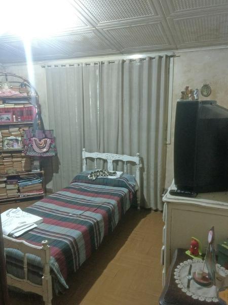 casa en venta en zarate. 2 dormitorios. garage. amplio parque.