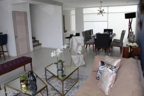 casa en venta en zibata, el marques, rah-mx-19-550