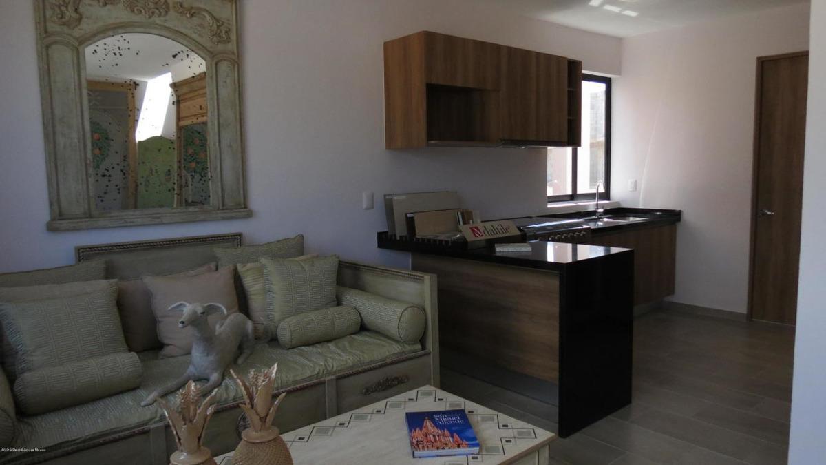 casa en venta en zirandaro, san miguel allende, rah-mx-20-354