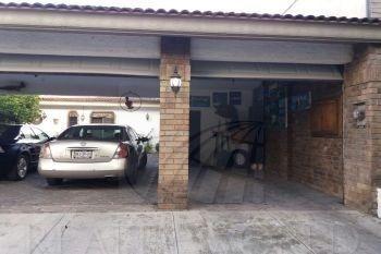 casa en venta en zona valle.