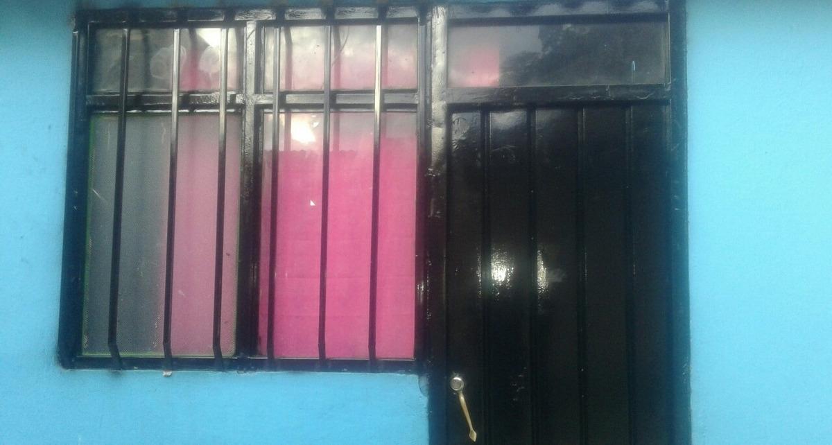casa en venta  esquinera vehicular, en el barrio el rosal.