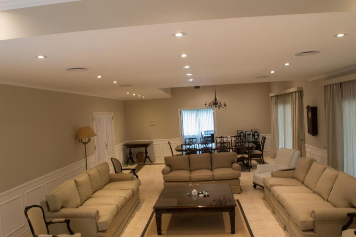 casa en venta estilo frances en country abril 9 amb