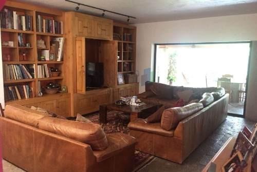 casa en venta estilo mexicano contemporáneo en colinas del bosque