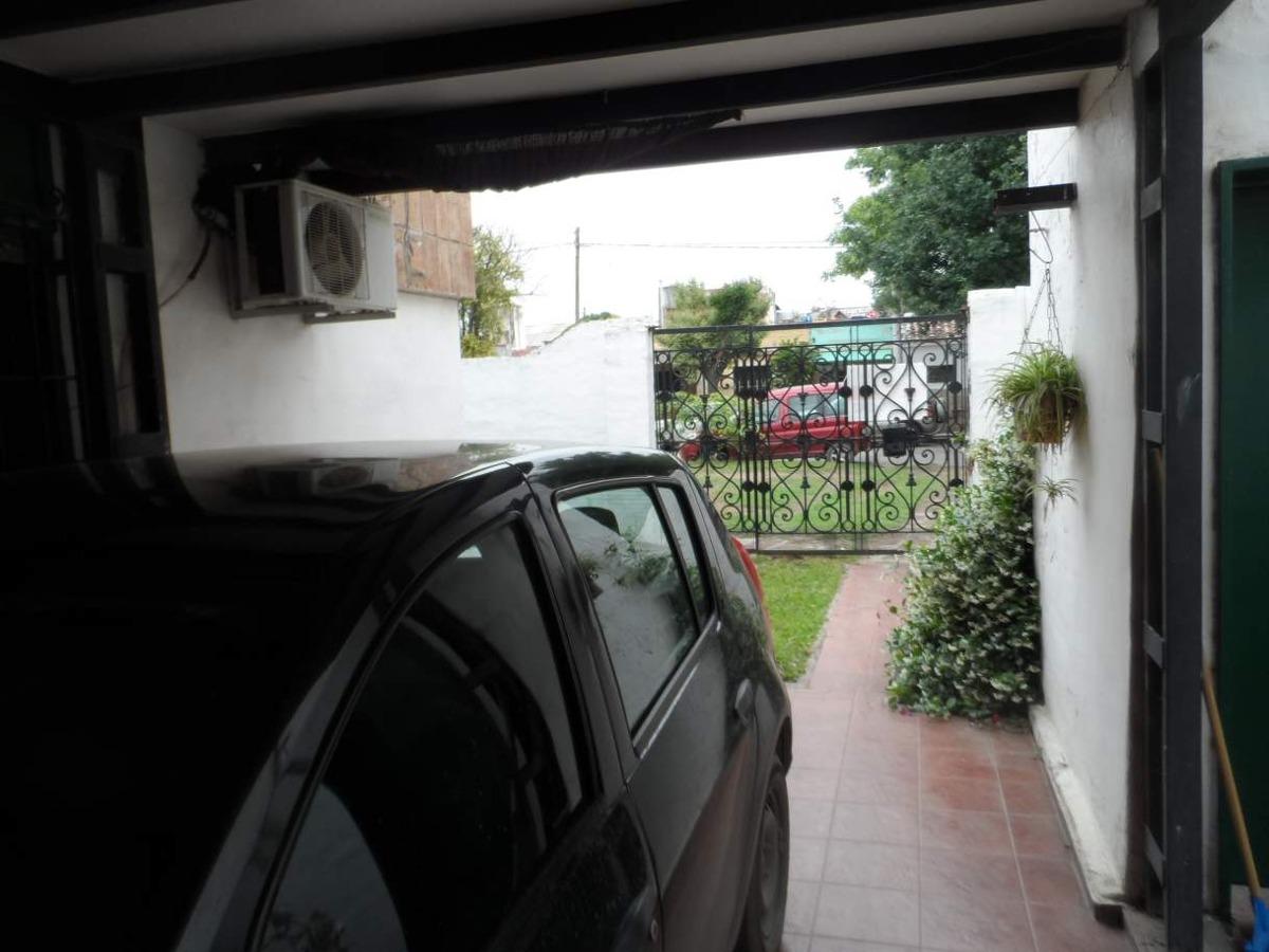 casa en venta, estilo rustico, bº san fernando, tres dormitorios, pileta, excelente patio.