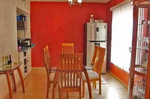 casa en venta, excelente estado de conservación, lista para habitarse!