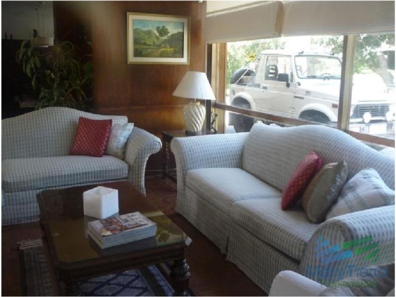 casa en venta. excelente zona.punta del este. ambientes amplios, confortables.-ref:1580