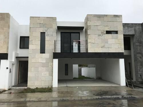 casa en venta fraccionamiento amorada zona carretera nacional santiago