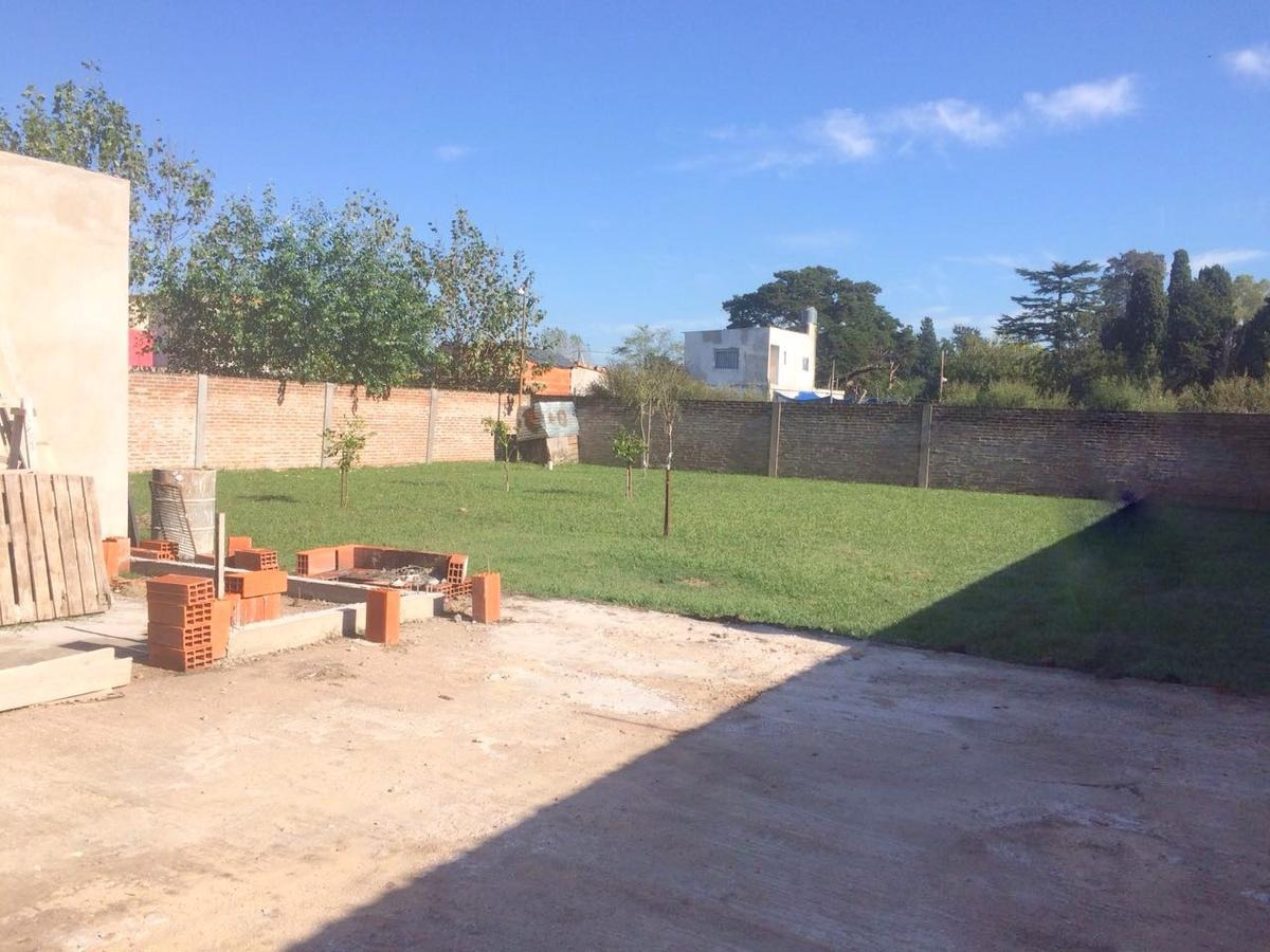 casa en venta - francisco alvarez - (ref.2079)