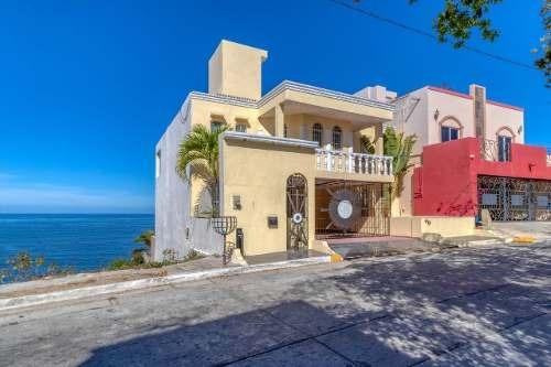casa en venta frente a el clavadista  mazatlán