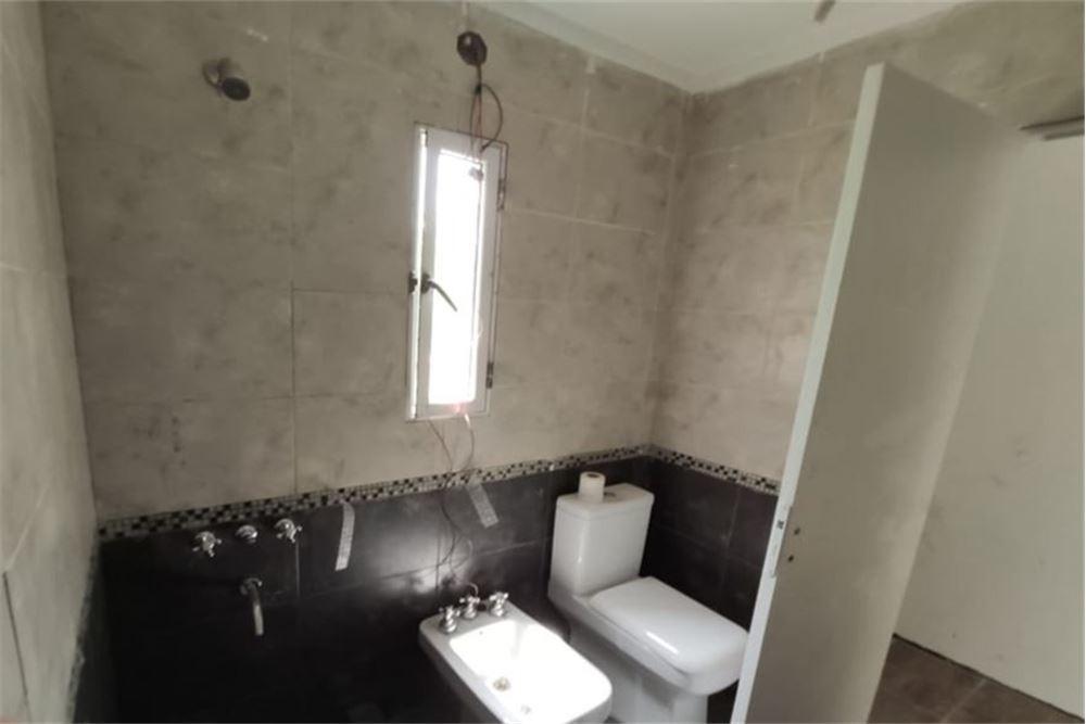 casa en venta funes 2 dormitorios pileta
