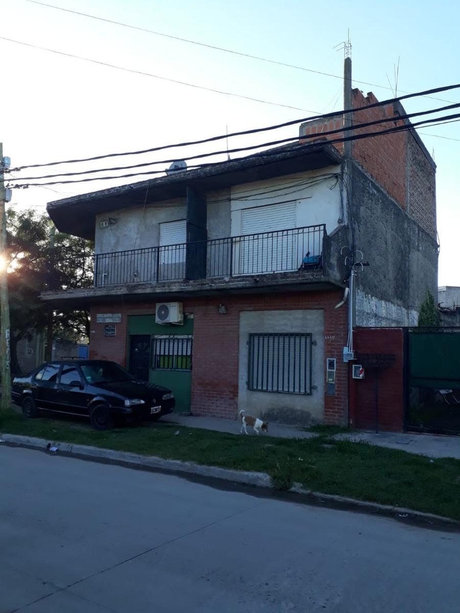 casa en venta gonzalez catán 2 plantas,local,garage,dept.(4)