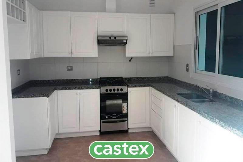 casa en venta interna en barrancas del lago, nordelta