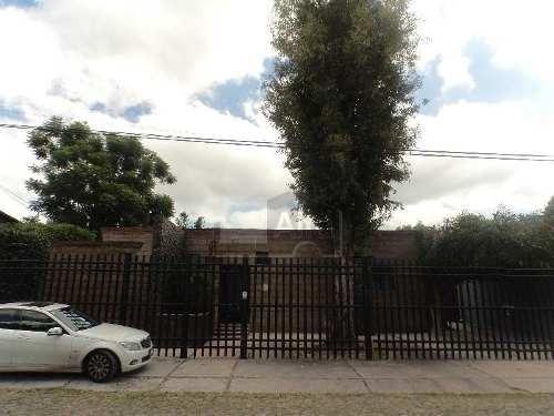 casa en venta jurica querétaro con 5 habitaciones, 5 baños, 5 estacionamientos.