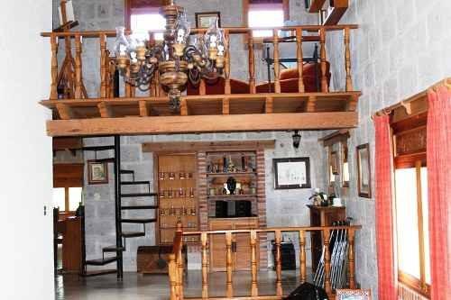 casa en venta. juriquilla villas del mesón.  rcv170815-fm