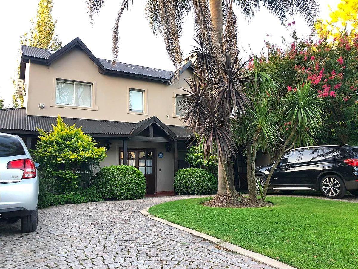 casa en venta  la casualidad  pilar