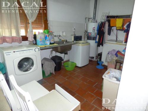 casa en venta la plata calle 68 e/ 1 y 115 dacal bienes raices