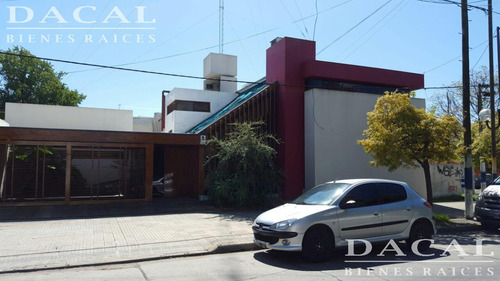casa en venta la pllata calle 9 esquina 37 dacal bienes raices