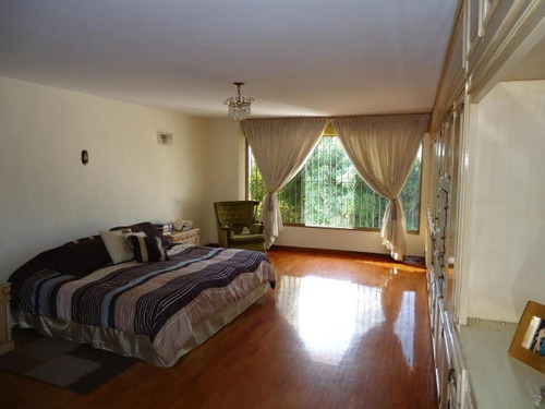 casa en venta la tahona caracas edf 16-2046