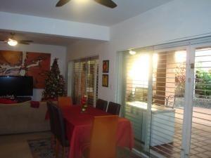 casa en venta la trigaleña valencia  codigo 20-1295 raco