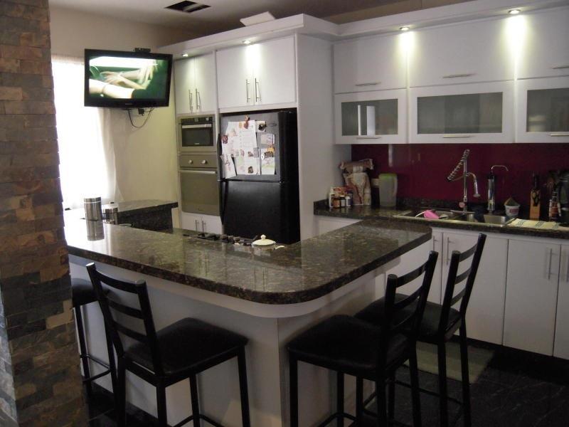 casa en venta las acacias rar 18-623 lic. rondon 04265168412