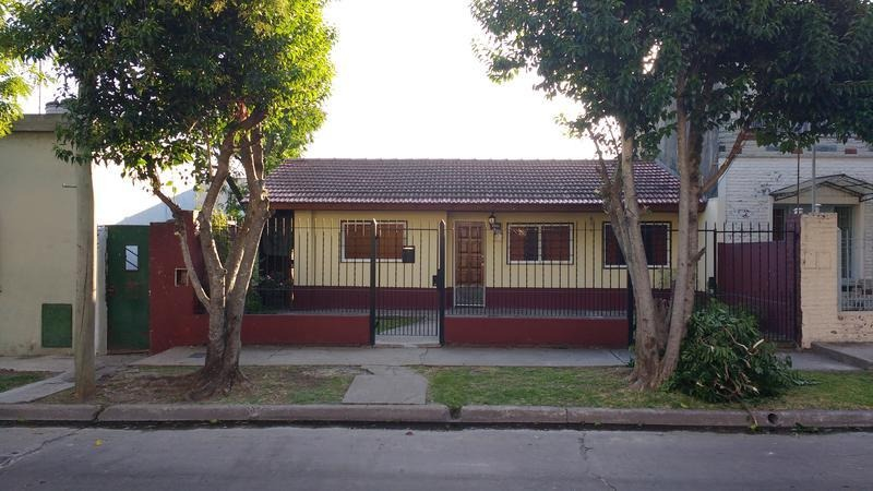 casa en venta - lomas de zamora