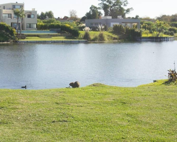 casa en venta lote al agua  barrio san matias area 5