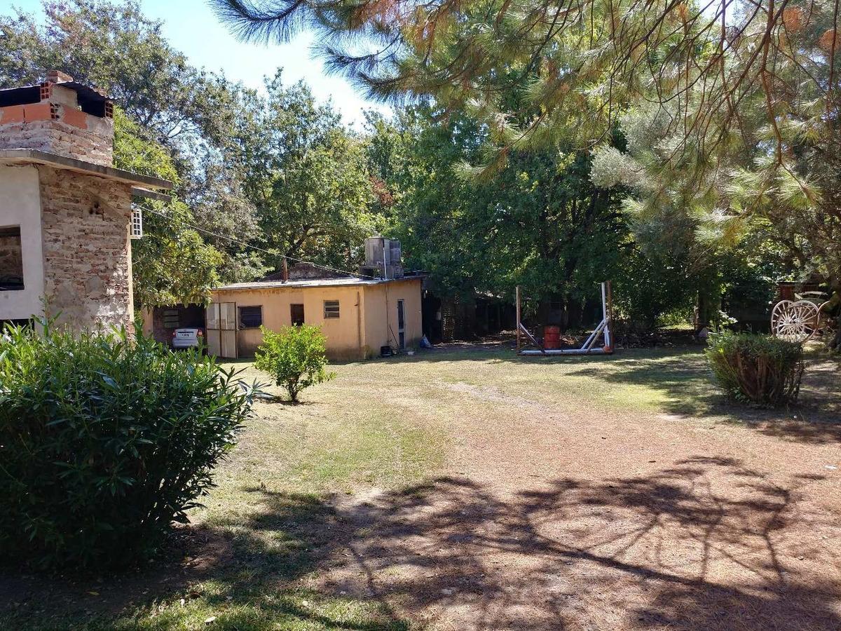 casa en venta lujan olivera importante terreno sobre colectora