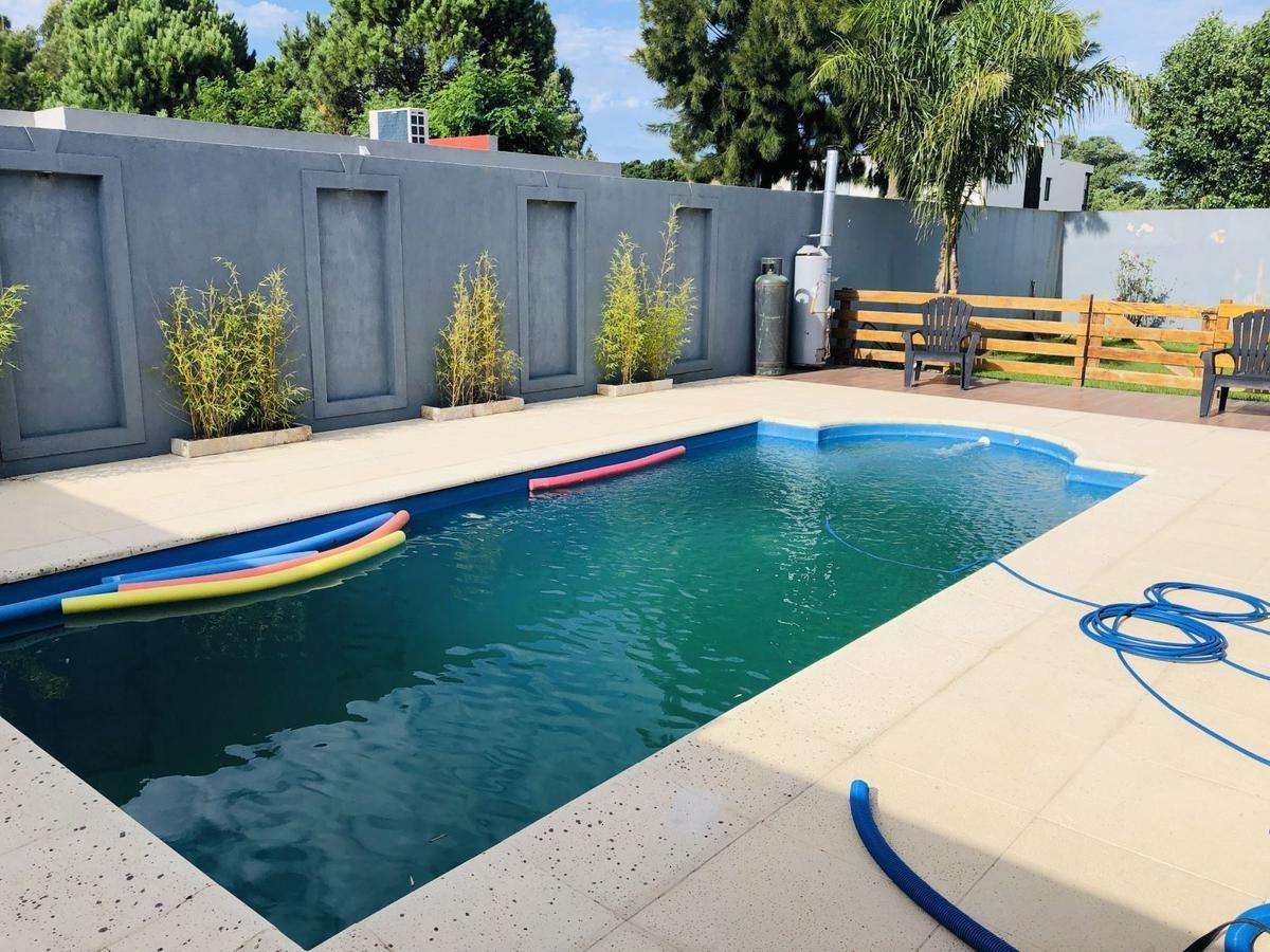 casa en venta mar de ajo barrio san rafael con piscina y patio