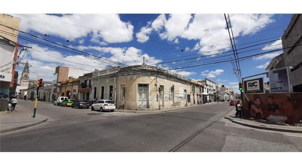 casa en venta microcentro -  jujuy y caseros