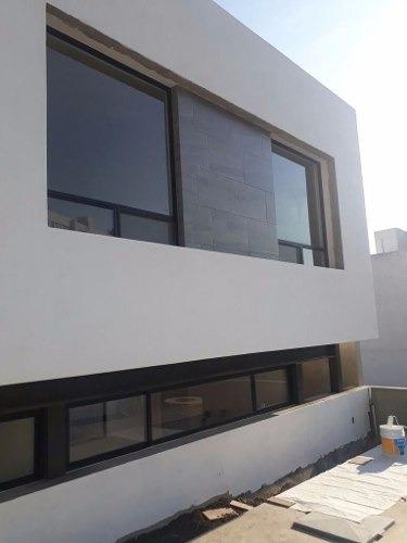 casa  en venta  minimalista nueva en fracc. punta esmeralda en qro.