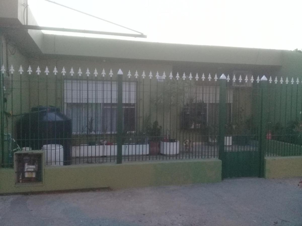casa en venta monte grande sobre lote de 10 x 40