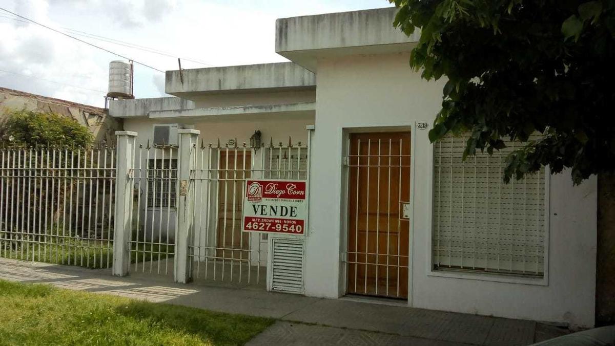 casa en venta moron a 1 cuadra de pierresteguy,