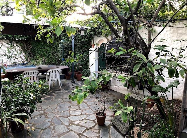 casa  en venta olivos-maipu/uzal