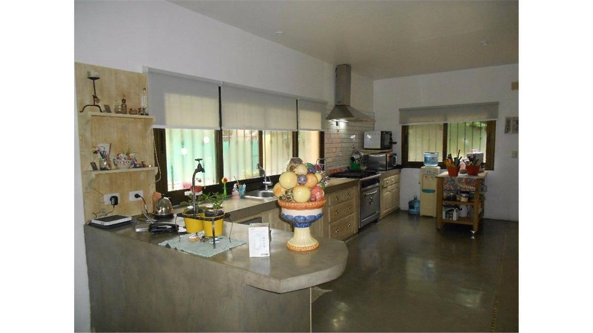 casa en venta :: parque leloir :: 4 ambientes :: 1756m2