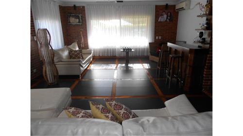 casa en venta :: parque leloir :: 6 ambientes :: 2012m2