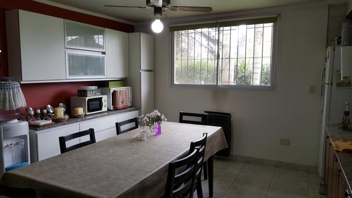 casa en venta pilar cerca de la lonja oportunidad pileta 7 ambientes
