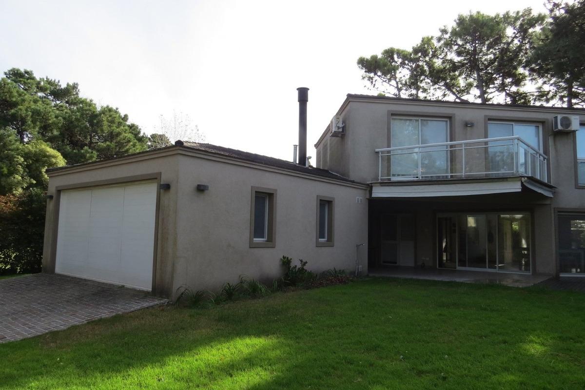 casa en venta pinamar-hipocampo-moderna-calidad de construccion-piscina